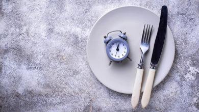 Photo of 14 horas de ayuno diarias son claves para adelgazar, descubrió un estudio