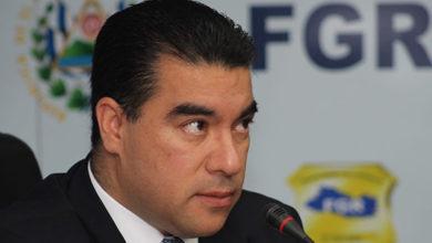 Photo of Director de la PNC y ministro de Trabajo cuestionan al Fiscal General de la República
